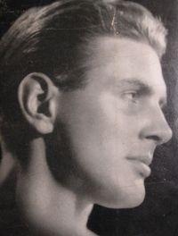 Gordon+Merrick+headshot